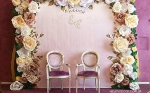 свадебная фотозона из бумажных цветов киев